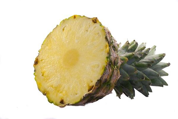 половина ананаса
