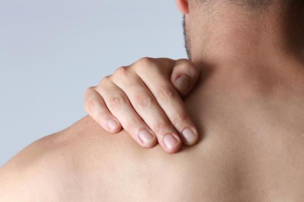 Причины и лечение боли в шее с правой стороны