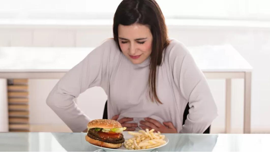 Симптомы рака желудка: боль в животе, расстройство желудка, чувство сытости